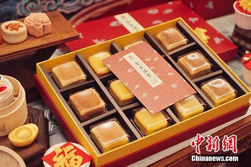 """""""朕的心意""""中式糕点礼盒。""""故宫食品?朕的心意""""供图"""