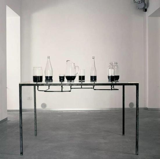 查尔斯·雷,《病毒研究》,玻璃、金属、墨水,93 x 137.5 x 75 cm,1986